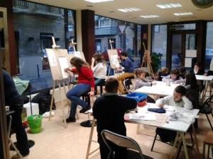 Alumnos pequeños y mayores continúan aprendiendo a dibujar, pintar y modelar en la Academia Bellas Artes Romaralart durante el mes de febrero.