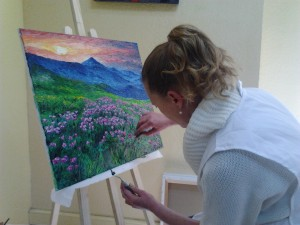 Alumnos pintando en la Academia Romaral Art Torrent